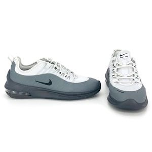 Nike Air Max Axis Size 6.5 Women